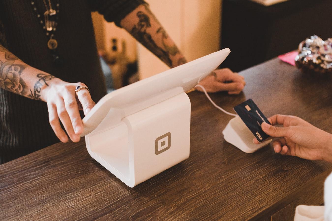 Visa łączy się ze Stripe, oferując płatności B2B