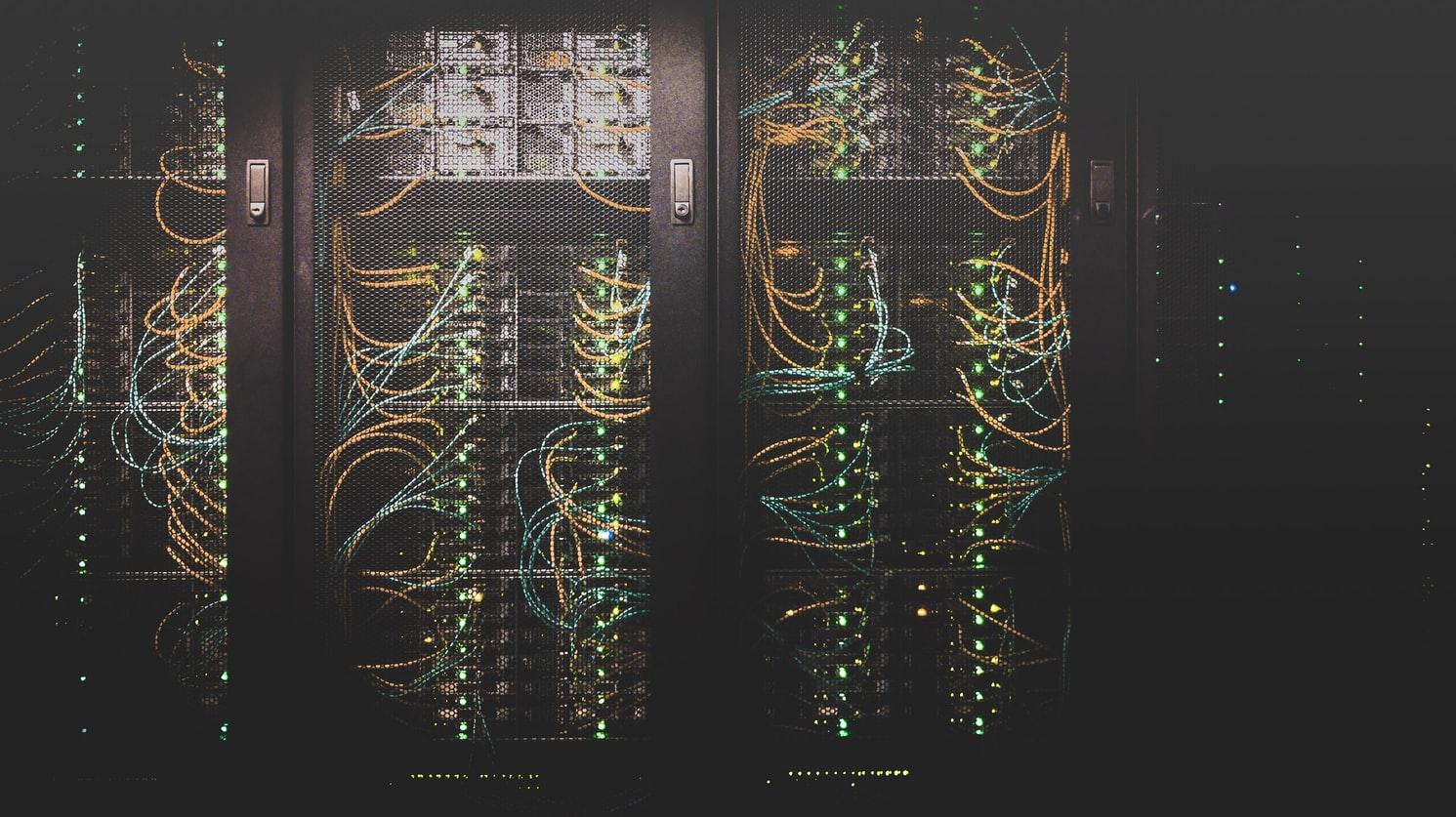 Cisco udostępnia nowe platformy usprawniające obsługę chmur publicznych i prywatnych