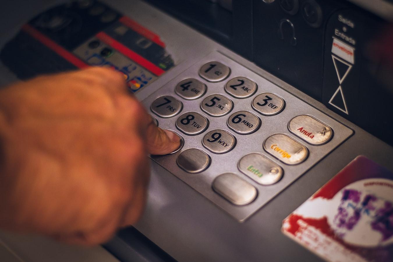 Wpłaty gotówki na konto w Banku BNP Paribas możliwe także we wpłatomatach poza oddziałami