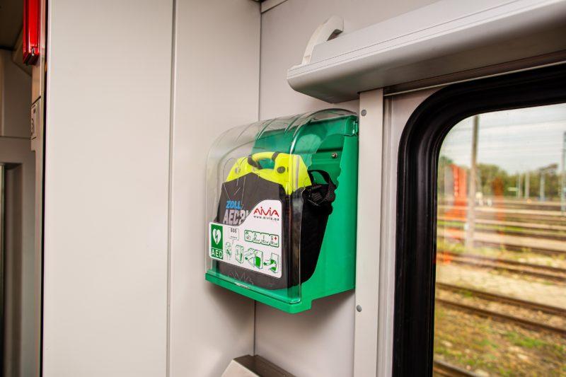 Pociągi PKP Intercity z defibrylatorami AED od PZU