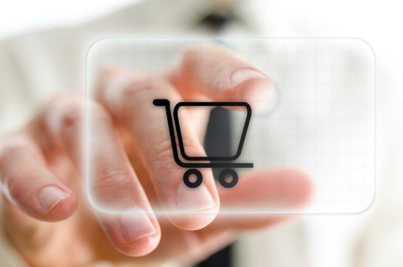 Jak bezpiecznie robić przedświąteczne zakupy – Fala ataków na sklepy internetowe