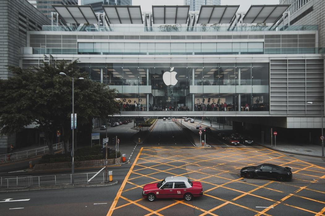 Sukces MacBooków opartych na własnych procesorach pomoże Apple umocnić się na rynku laptopów
