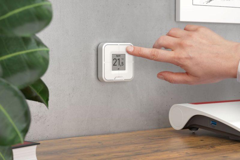 Nowości Smart Home od FRITZ!: inteligentna żarówka LED oraz wielofunkcyjny przycisk z wyświetlaczem e-papier
