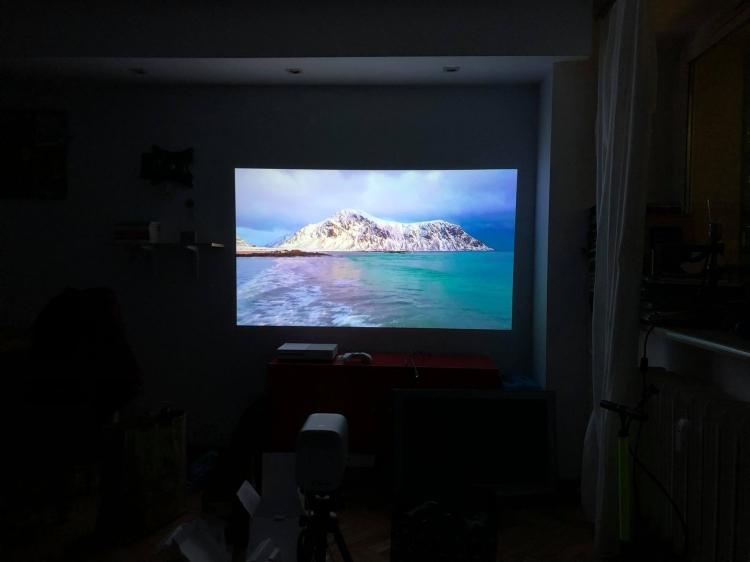 Xiaomi Mi Smart Compact Projector obraz 750