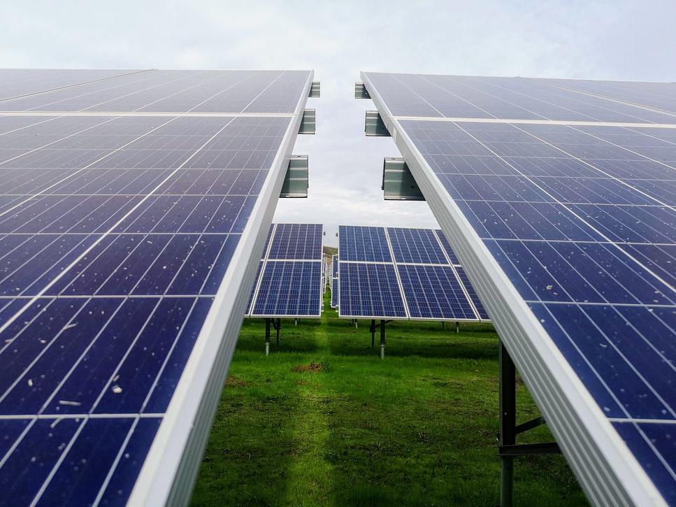Bank BNP Paribas kontynuuje współpracę z Qair. 460 mln złotych na energetykę odnawialną