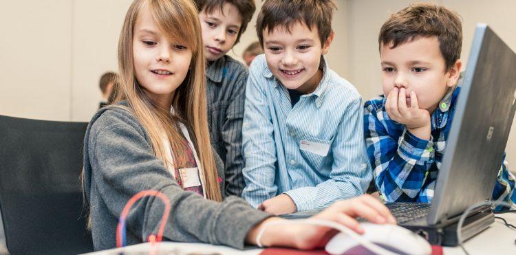 Orange podłączył 3000 szkół do Ogólnopolskiej Sieci Edukacyjnej