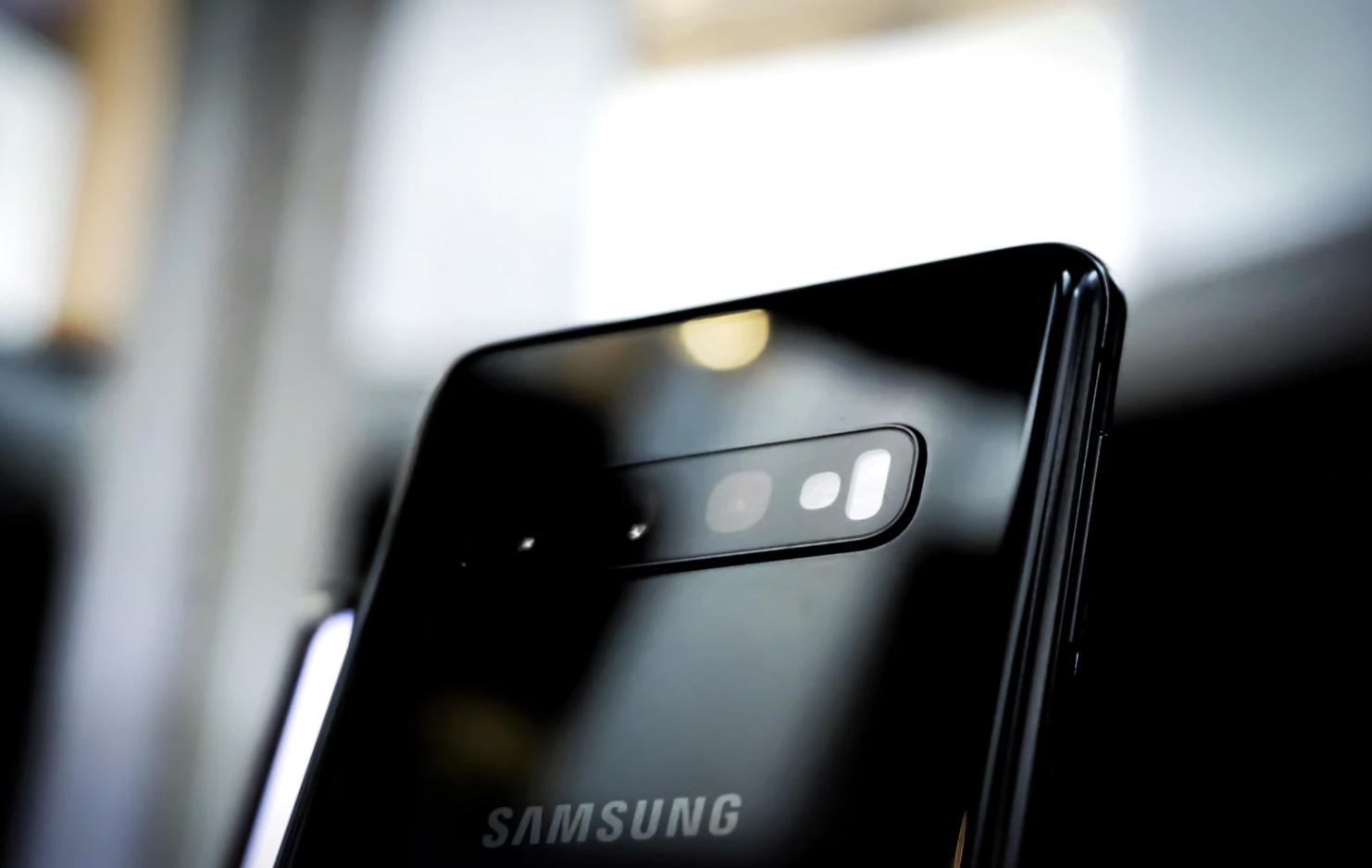 Samsung obsługuje pierwszą na świecie ogólnokrajową sieć bezpieczeństwa publicznego