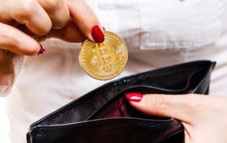 Jogurt i opony kupione za Bitcoiny: przyszłość płatności w e-commerce?