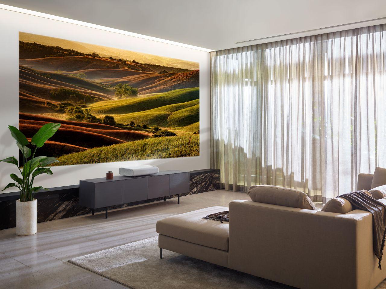 Projektor The Premiere i telewizor The Terrace debiutują na polskim rynku