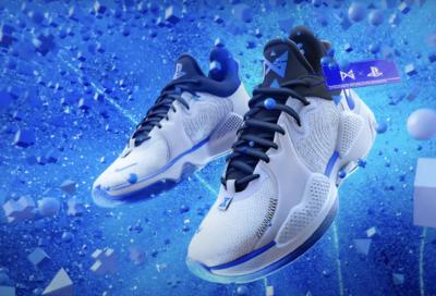 Projektant PlayStation 5 stworzył buty Nike w stylu konsoli