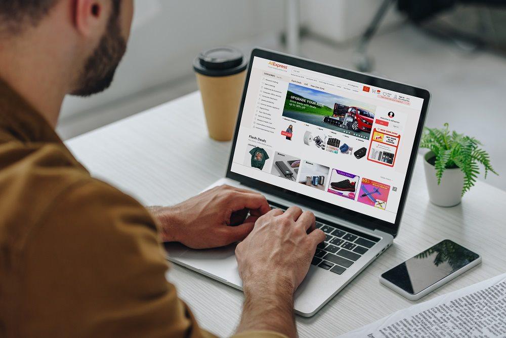 Polak kupujący online – Czym wyróżniamy się jako klienci?