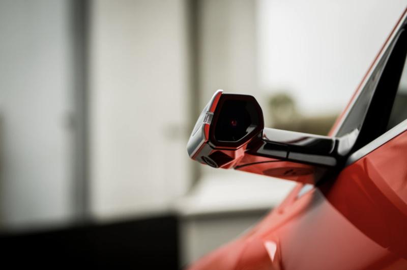 Samochody z cyfrowymi lusterkami bocznymi, które kupimy w Polsce