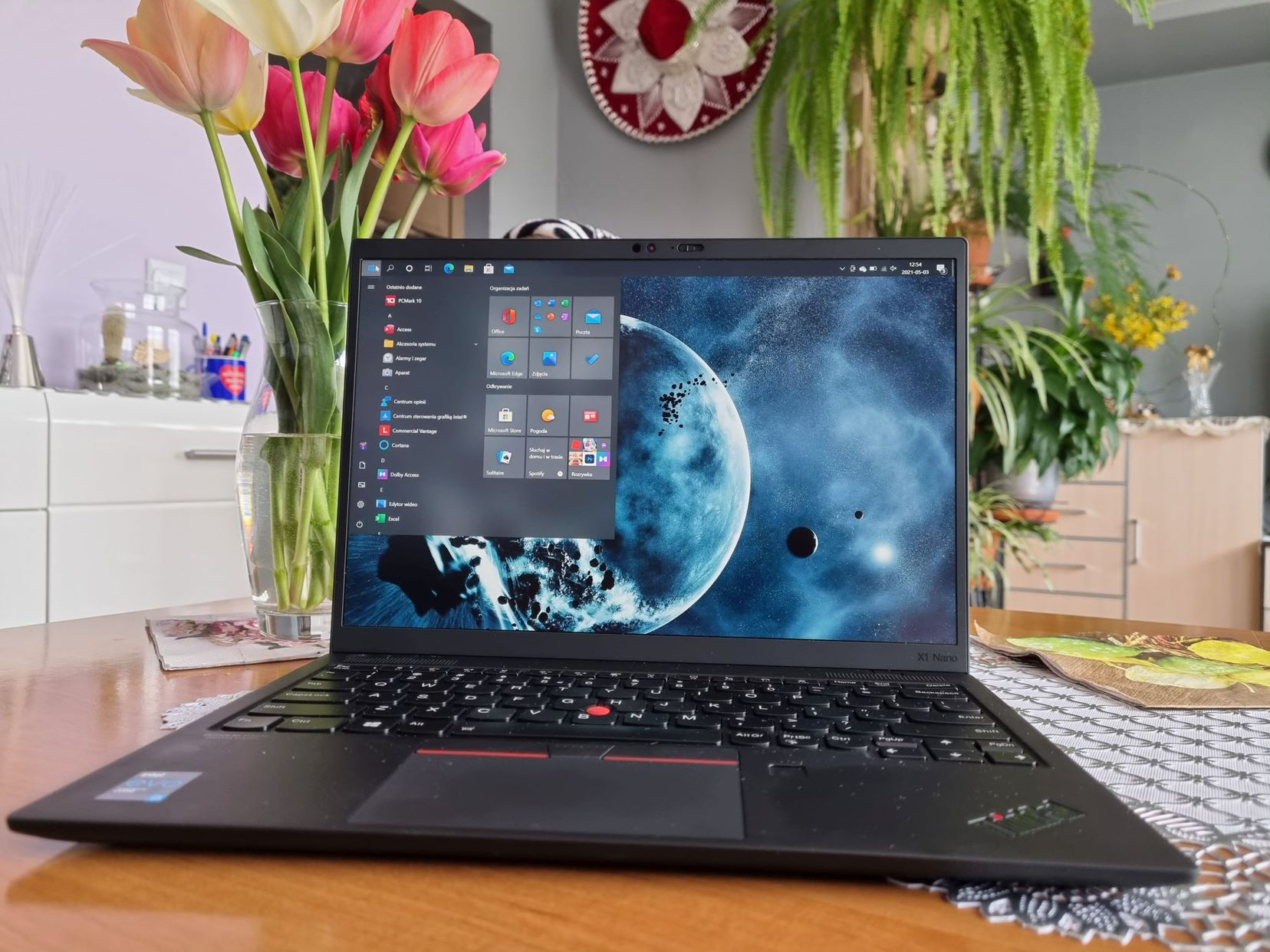 Lenovo ThinkPad X1 Nano 001