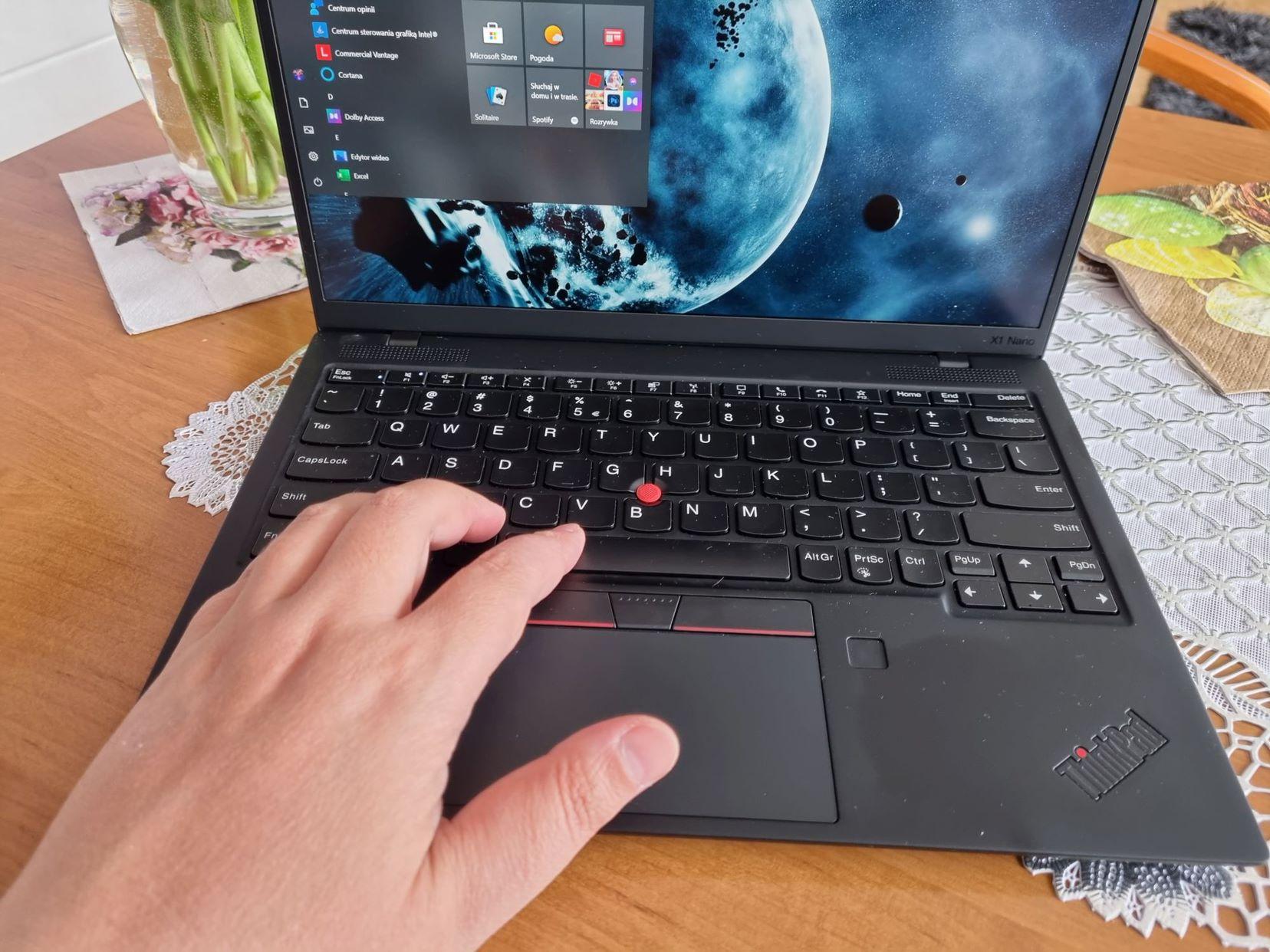 Lenovo ThinkPad X1 Nano 002
