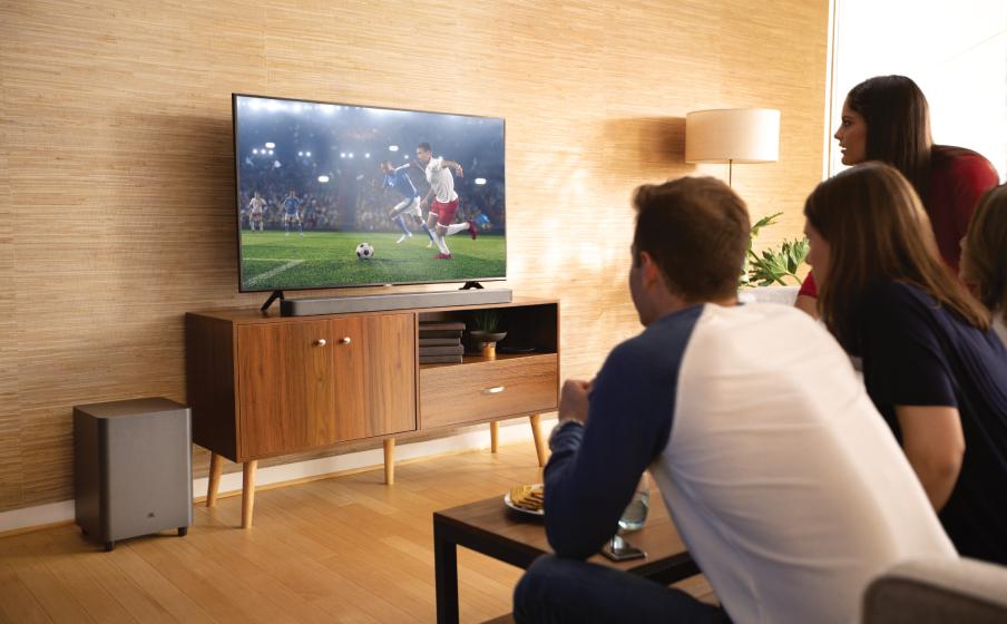 Euro 2020 i emocjonujące brzmienie w salonie