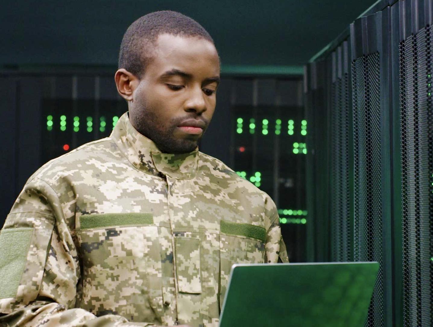 Cisco prezentuje bezpieczne rozwiązanie do komunikacji i współpracy dla sektora obronnego – Webex for Defense