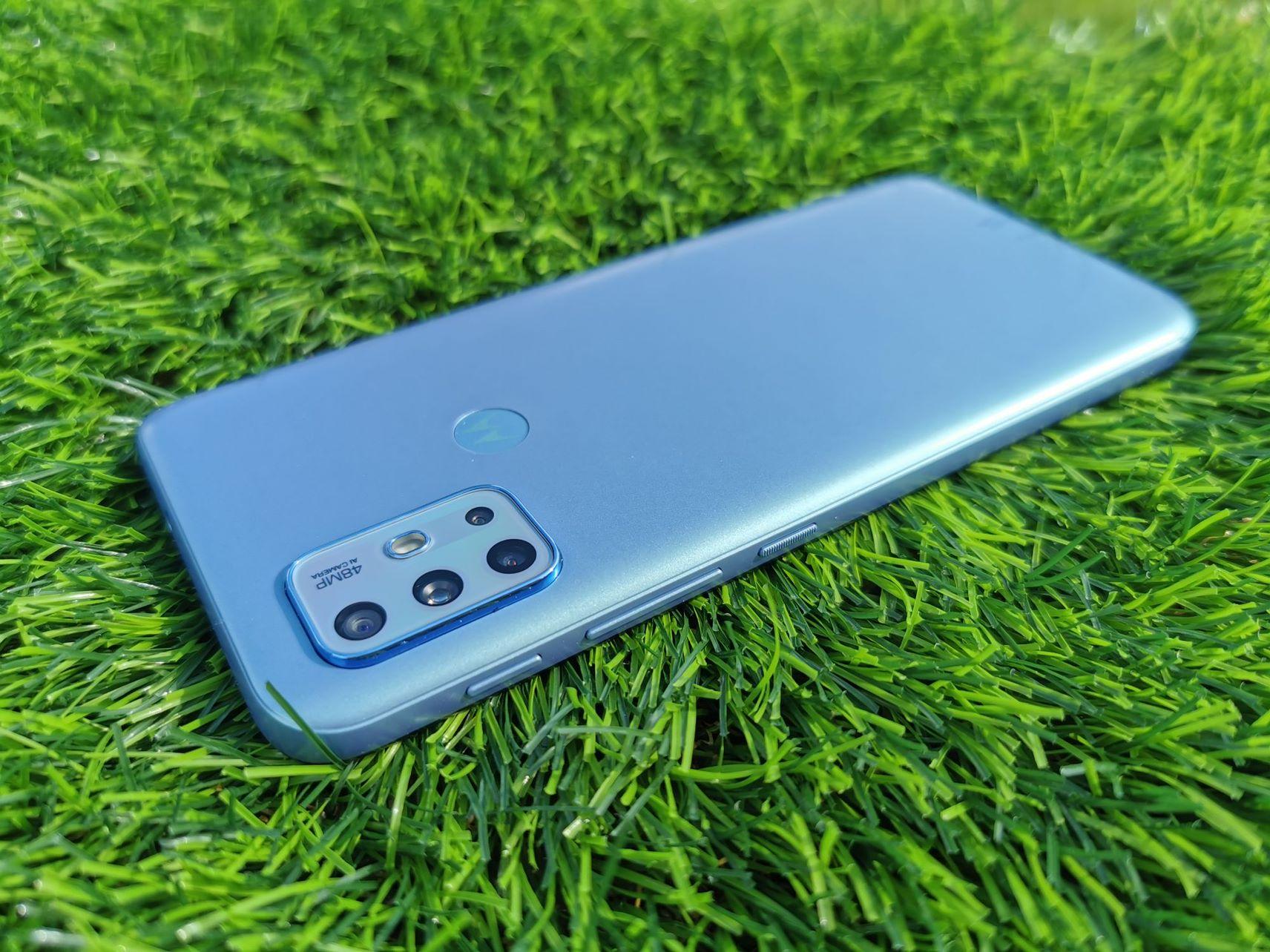 Motorola Moto G20 – niedrogi, a jednocześnie całkiem przyzwoity smartfon z czystym Androidem