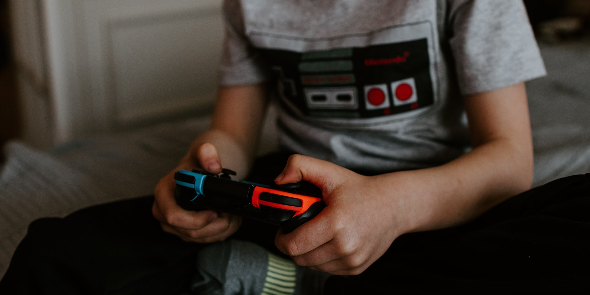 Prawie 90% nastolatków w Polsce gra w gry – Jak ta forma rozrywki wpływa na ich rozwój?
