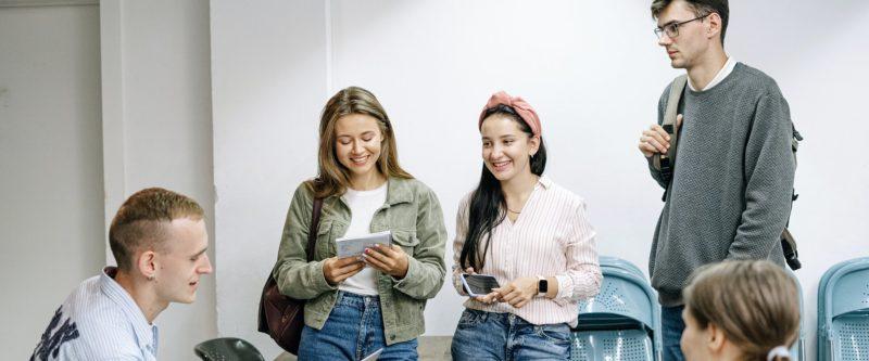 Każde doświadczenie ma znaczenie – Młodzi o pracy