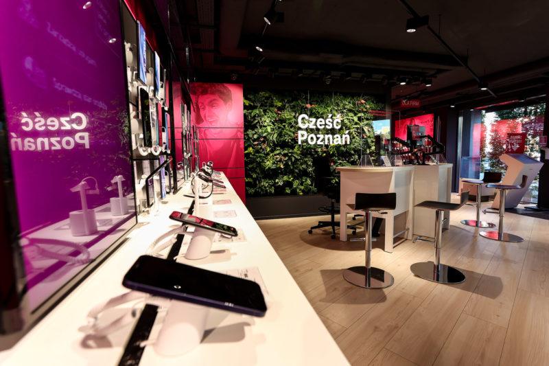 t mobile otworzyl swoj najwiekszy i najbardziej nowoczesny salon w poznaniu 2