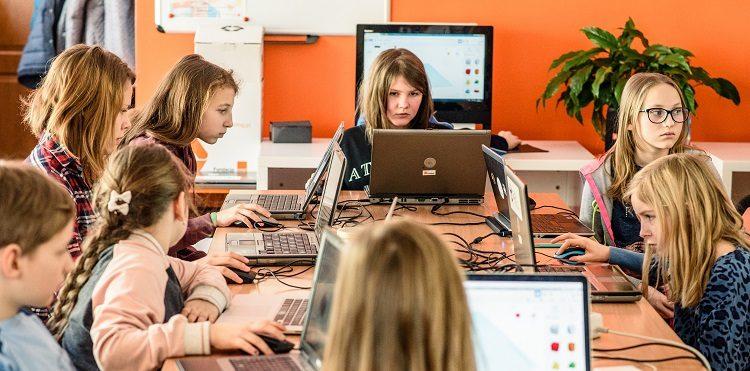 Fundacja Orange wyróżni Nauczyciela Jutr@, który rozwija swoje kompetencje z myślą o przyszłości