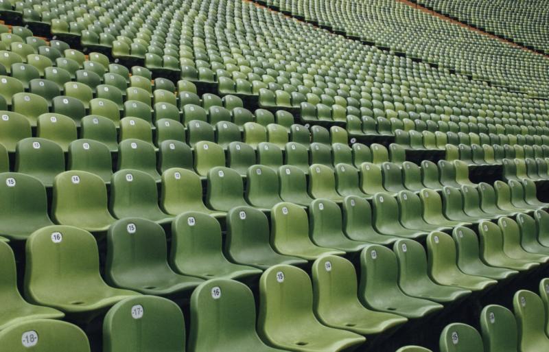 Imprezy masowe w postpandemicznych czasach – Czy stadiony i hale widowiskowe są gotowe na bezpieczny powrót publiczności?
