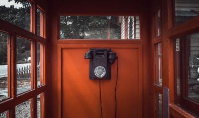 Klienci T-Mobile mogą rozmawiać w jakości HD Voice+ teraz także w połączeniach z Play