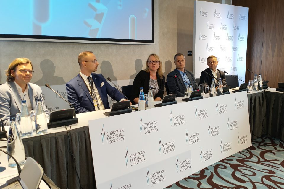 95% liderów bankowości w Polsce wdrożyło zaawansowane usługi w chmurze