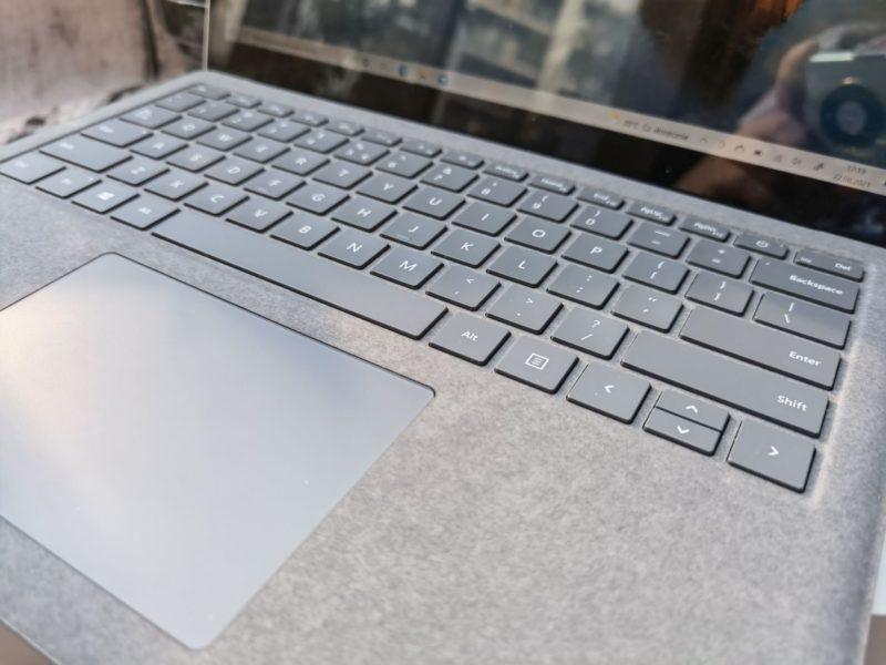 Surface Laptop 4 010