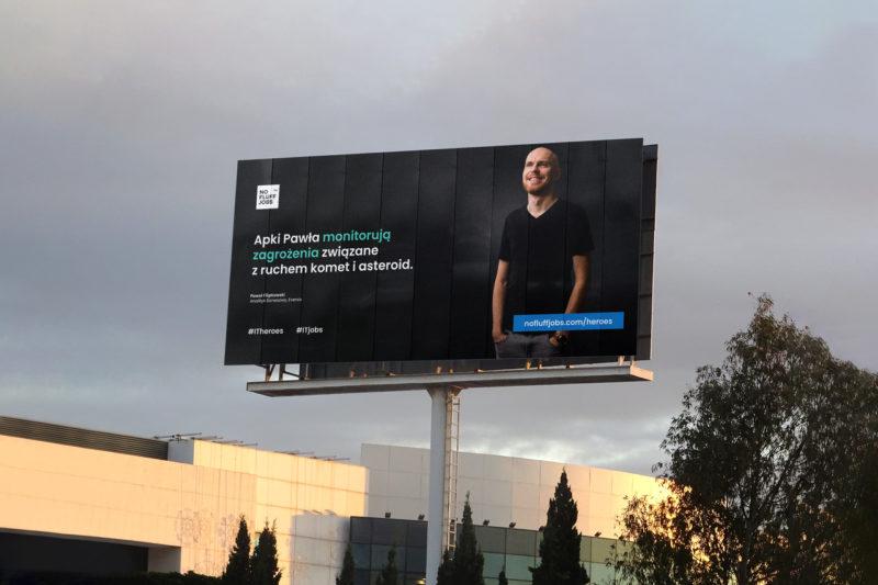 """Akcja """"IT Heroes – bohaterowie codzienności"""" – No Fluff Jobs startuje z nową kampanią wizerunkową i oddychającym muralem"""