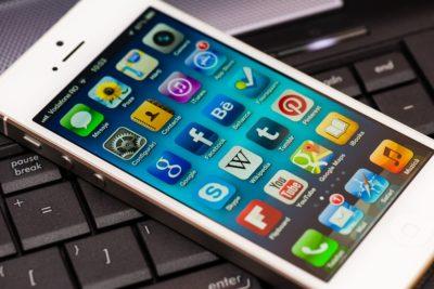 Fałszywe aplikacje do kryptowalut na iOS – nowe oszustwo celujące w użytkowników iPhone'ów