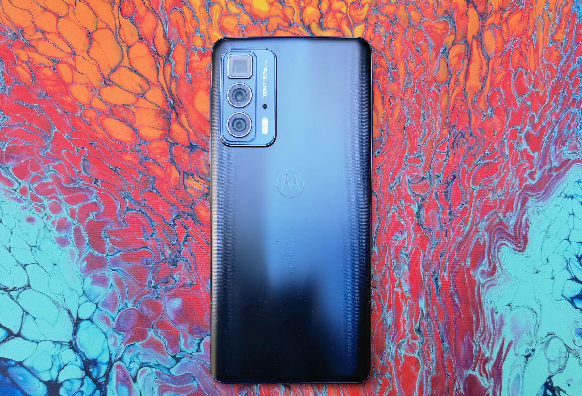 Motorola edge 20 pro – najmocniejszy model z nowej serii