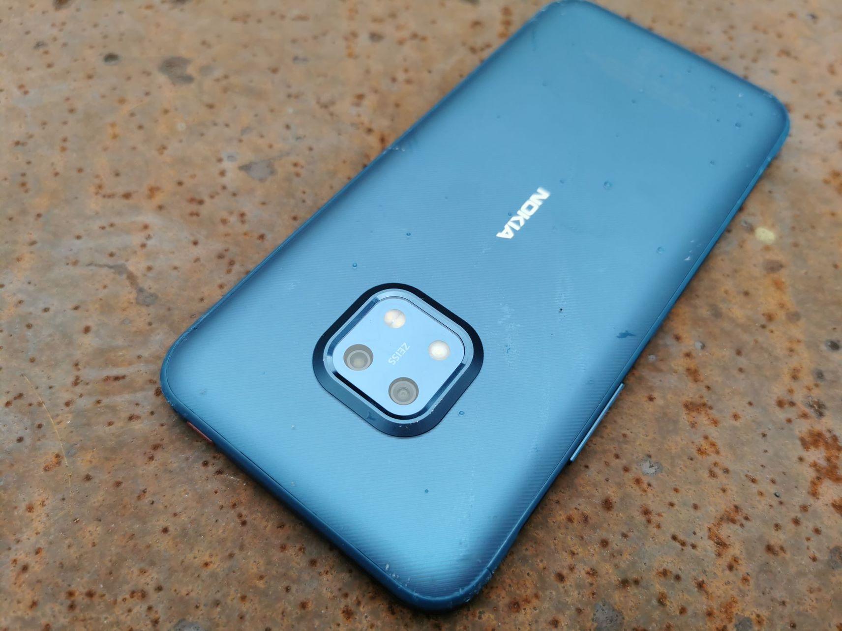 Nokia XR20 – pancerny telefon do osób pracujących w trudnych warunkach