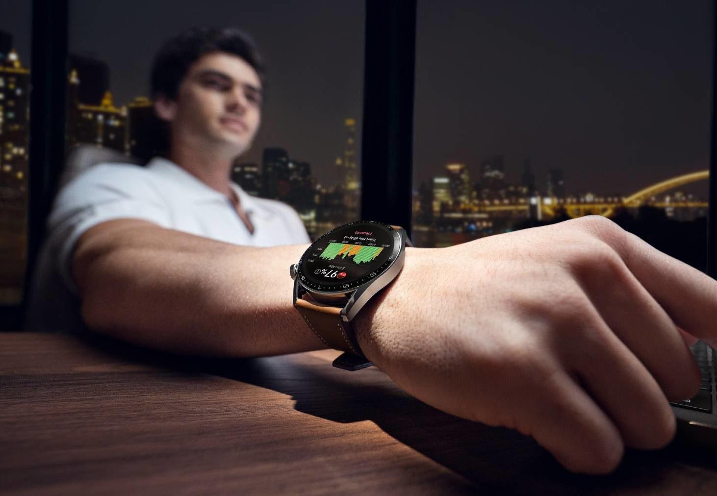 Huawei prezentuje nowy smartwatch Watch GT 3 oraz słuchawki FreeBuds Lipstick w unikalnym etui w kształcie szminki